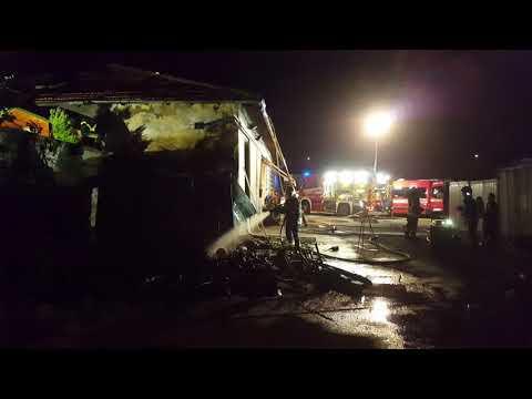 Incendio a Riva del GardaA fuoco un fabbri...