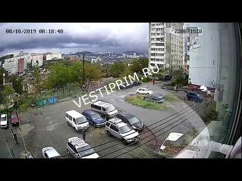 Мужчина чудом не погиб при обрушении стены дома во Владивостоке
