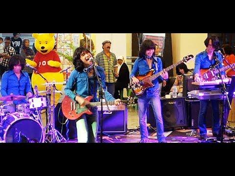 Malam Ini (Koes Plus) ★ T-Koes Band @ Plaza Blok M