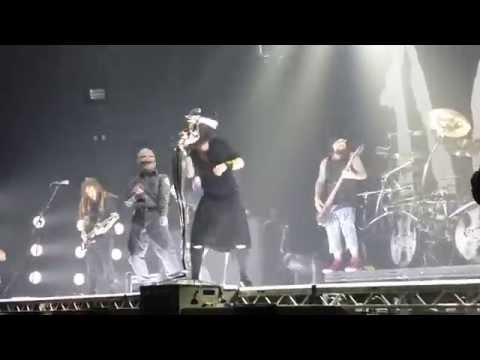 Korn & Slipknot - Sabotage live Wembley Arena London - Front Row HD