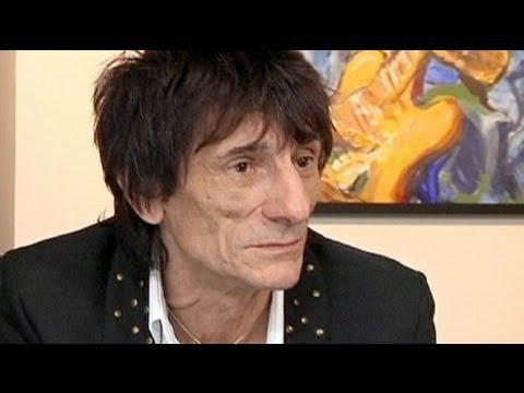 euronews le mag - Ronnie Wood: ein Maler, der Gitarre spielt - YouTube