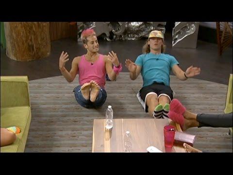 8/01 10:56pm - Hayden and Frankie Do Abs, Zach Calls Frankie a Beast