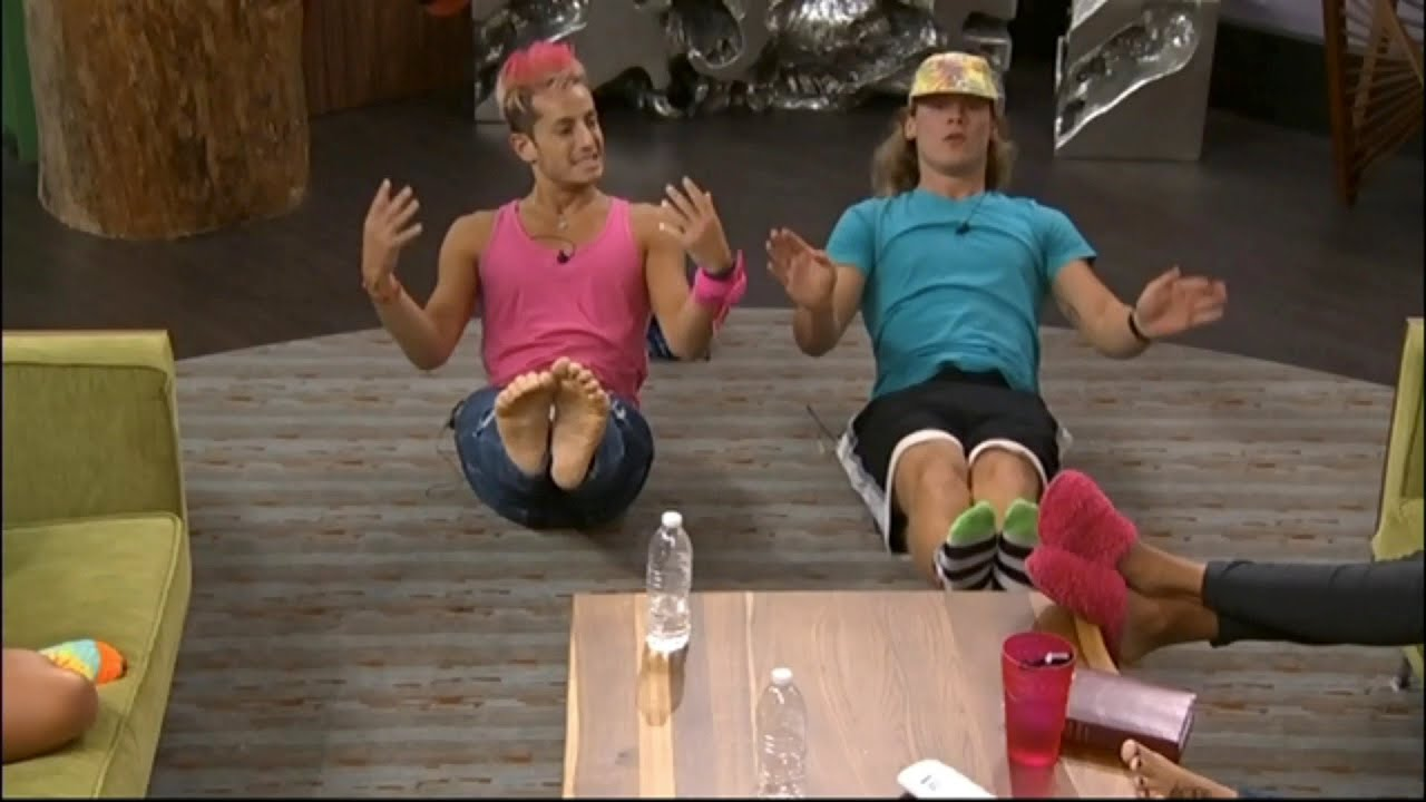 801 1056pm Hayden And Frankie Do Abs Zach Calls Frankie A Beast
