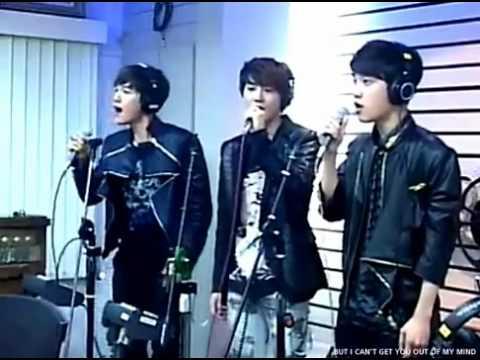 [LIVE] 12/05/14 - EXO-K cantando
