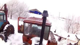 Запуск ДТ-75 и расчистка снега