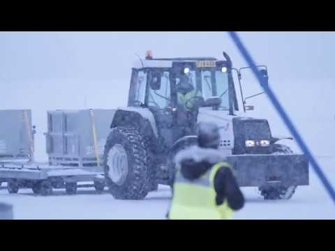Pandas Pyry and Lumi are welcomed at Helsinki Airport  | Finavia