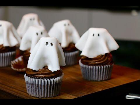recette-halloween-:-cupcakes-fantôme-au-chocolat-faciles-et-moelleux