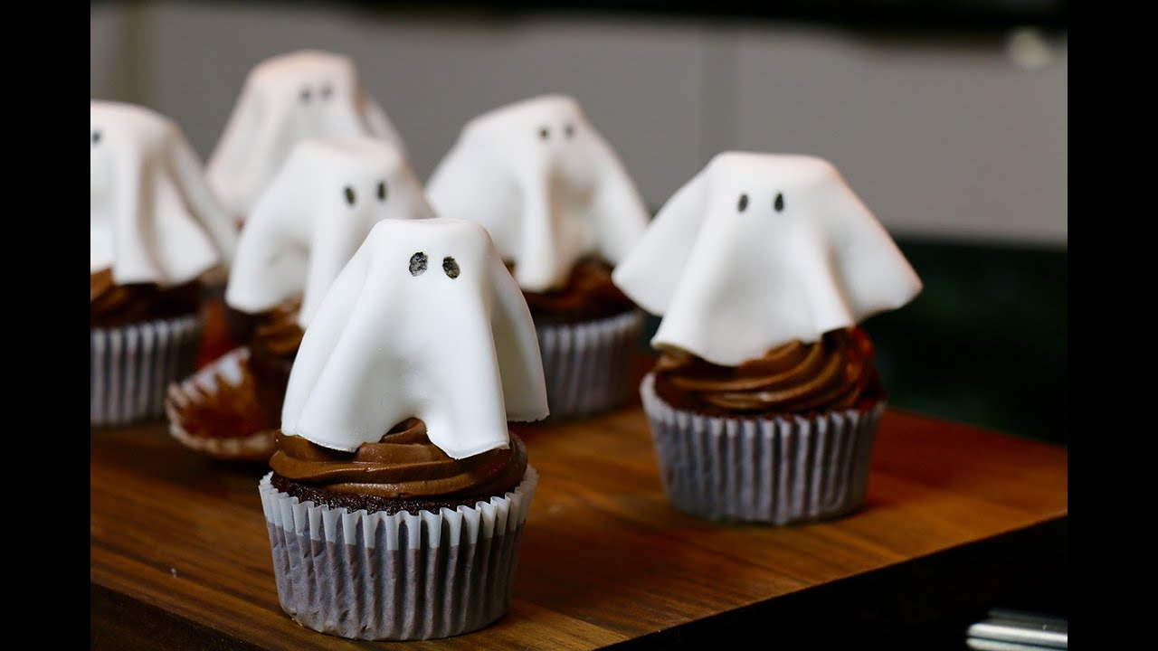 Decoration Halloween Facile A Faire Recette Halloween Cupcakes Fantôme Au Chocolat Faciles