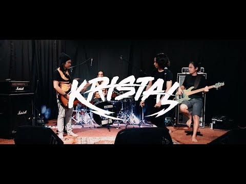 Kristal - Seragam Hitam ft Ewal