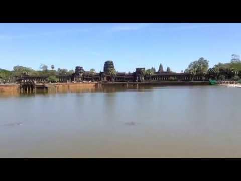 Sexy Bridge across to the Angkor Wat temple