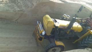 Tractor Hindustan Poohle Wala