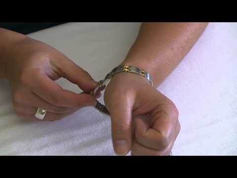 How To Wear Magnetic Bracelets - Link, Cuff & Claspless (Elastic & Magnet Clasp)