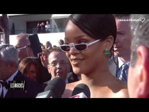 Rihanna crée l'événement sur le tapis rouge - Festival de Cannes 2017