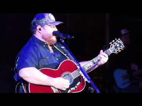 Luke Combs Red Rocks Amphitheatre Moon Over Mexico May 12, 2019 Beer Never Broke My Heart Tour