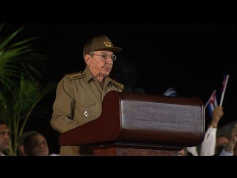 Raul Castro vows to defend Fidel's revolution