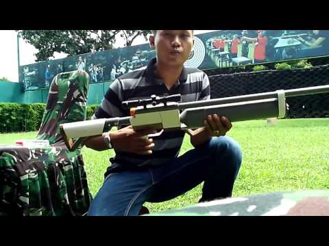 Methanol-powered marbles rifles. Shoot cans of paint at a distance of 30 meters