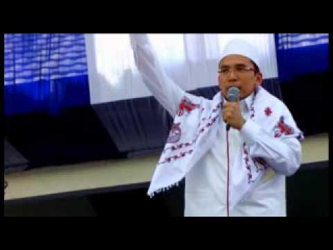 TGB Zainul Majdi Menangis pada Hultah NWDI Ke-79 di Pancor