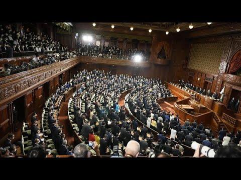 اليابان: رئيس الوزراء يحل البرلمان تمهيدا لإجراء انتخابات وخطة تحفيز اقتصادي بـ250 مليار يورو…  - 09:54-2021 / 10 / 14