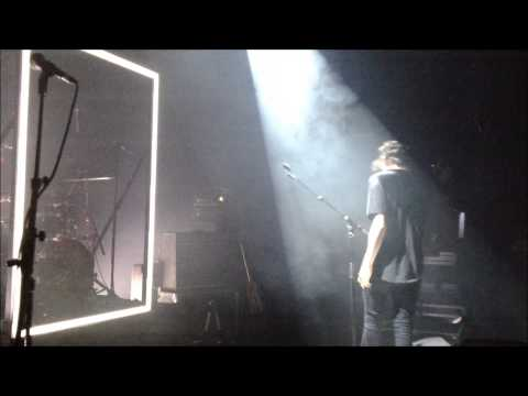 The 1975 - Falling for you (live in Paris)