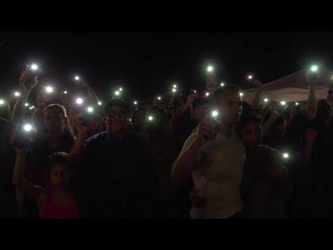 Vigilia por víctimas de tiroteo en Texas