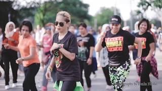 Download lagu FLOBAMORA SELAMANYA GOYANGVIRAL2019 Live Car Free Day Jln Eltari KUPANG NTT LINE DANCE MP3