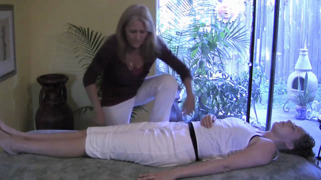 Hip Stretching Full Body Massage Therapy Techniques 6 -3427