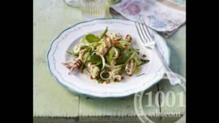 Рецепт салата с кальмарами и маринованными огурцами