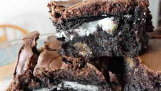 Recipes Using Cake Mixes: #16 Oreo Cookie Brownies