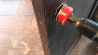 Установка замка в межкомнатную дверь. Простой способ.(, 2016-04-01T18:54:22.000Z)