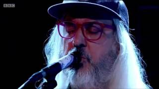 "Dinosaur Jr. ""Tiny"" live on Jools Holland 5-24-2016"
