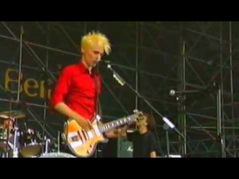 Muse - Plug In Baby  Live @ Eurockèennes 2000