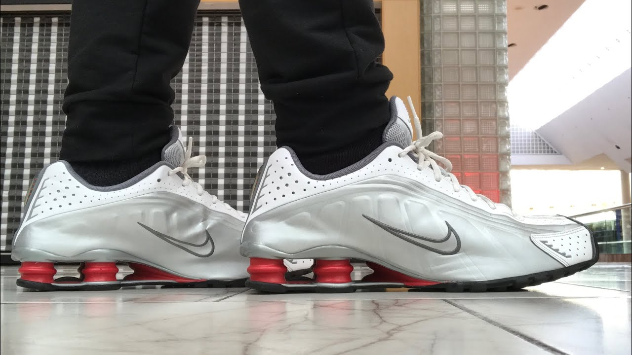 """low priced 6afd5 bff50 OFFICIAL FIRST LOOK! 2019 NIKE SHOX R4 """"RED COMET"""" ON FOOT REVIEW!!"""