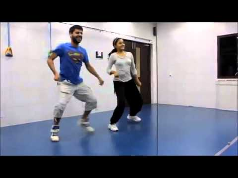 ▶ Balam Pichkari Bollywood Zumba workout with...