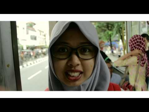 Keliling Jogja ? Nge-Bis Aja! #INSOMREVIEW | Indonesia Traveling Video