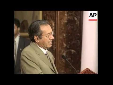 INDONESIA: MALAYSIAN PM MAHATHIR VISIT