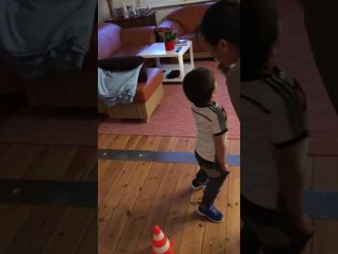 Mario Hendrik Vogel Baby trick