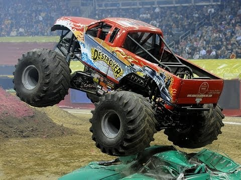 Monster Trucks Stunt Show Youtube