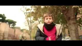 Смотреть клип Fabrizio Moro - Babbo Natale Esiste