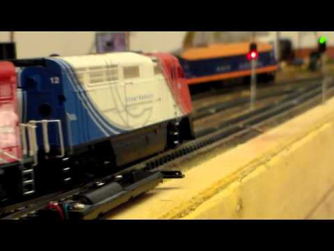 Set of two diesel engines HO F59PHI Utax DCC sound. Athearn 25798 & 25799