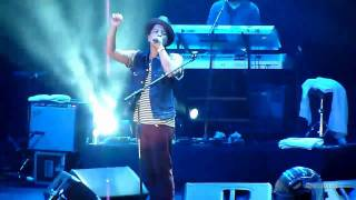 Download lagu Bruno Mars - Just the Way You are (Live in Jakarta, Indonesia, 5 April 2011)