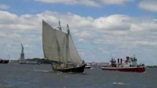 Langste zeereis ooit: Terugkeer Reid Stowe na 1152 dagen non-stop at sea.