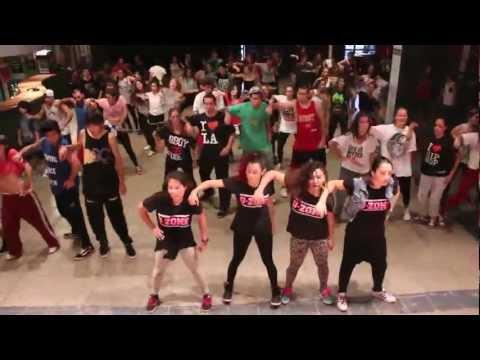 D-ZONE //  UNO MAS UNO 2013 - Let it bump (Missy Elliott)