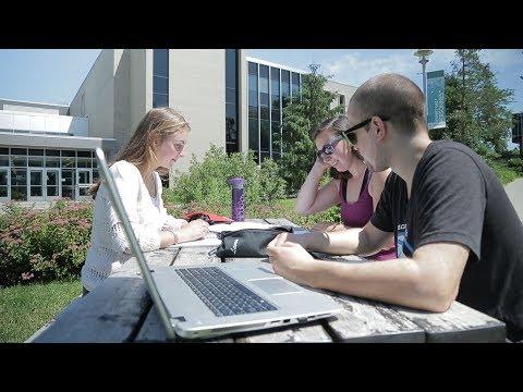 Classement Maclean's 2018 - L'UdeS, la plus appréciée des étudiants au Canada