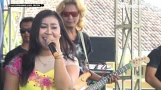 Video Sambel Goang -  Netty Alby - Susy Arzetty Live Kopyah  Anjatan Indramayu download MP3, 3GP, MP4, WEBM, AVI, FLV Agustus 2018