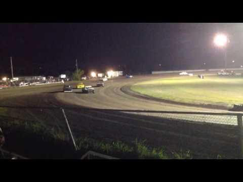 Factory Stock Heat 1 Superbowl Speedway 4-8-17