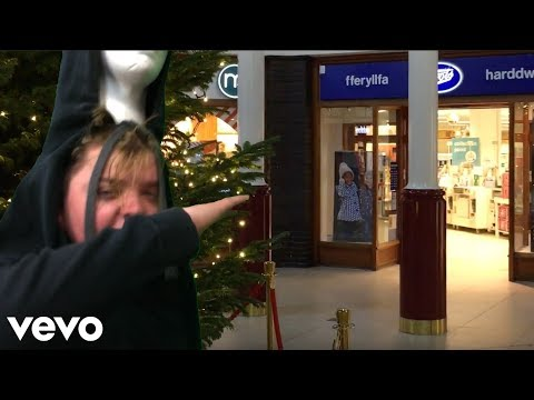 Fatboy Slim - Weapon of Choice in Shopping Mall (HD) mp3