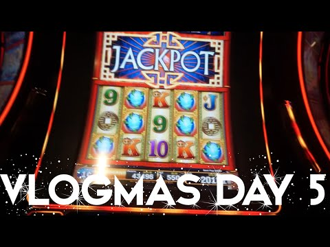 2015 VLOGMAS DAY 5 | WE HIT THE JACKPOT 4 TIMES!!!!
