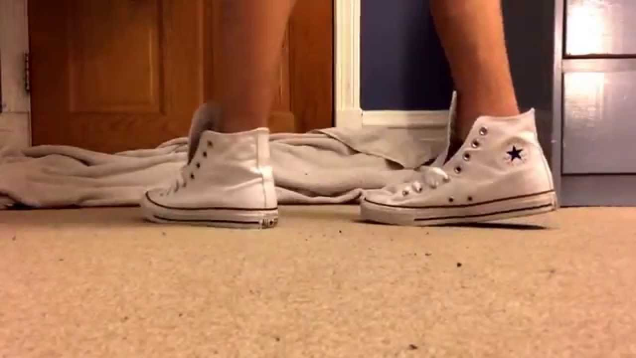 Watch - How to high wear top converse laces video