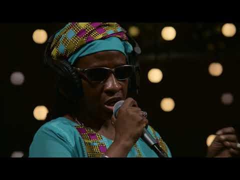 Amadou & Mariam - La Réalité (Live on KEXP)