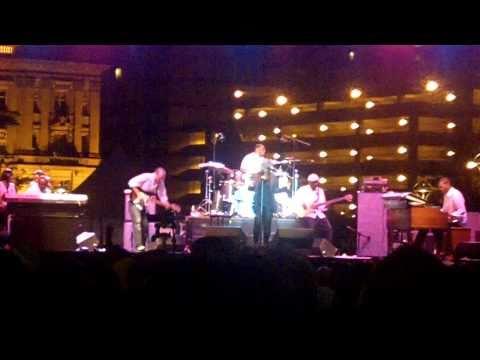 Ledisi - In The Morning (Live at Detroit Jazz Fest 2010)